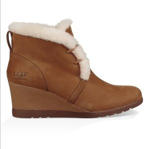 Ugg (Jeovana Wide Width) Wedge Boots